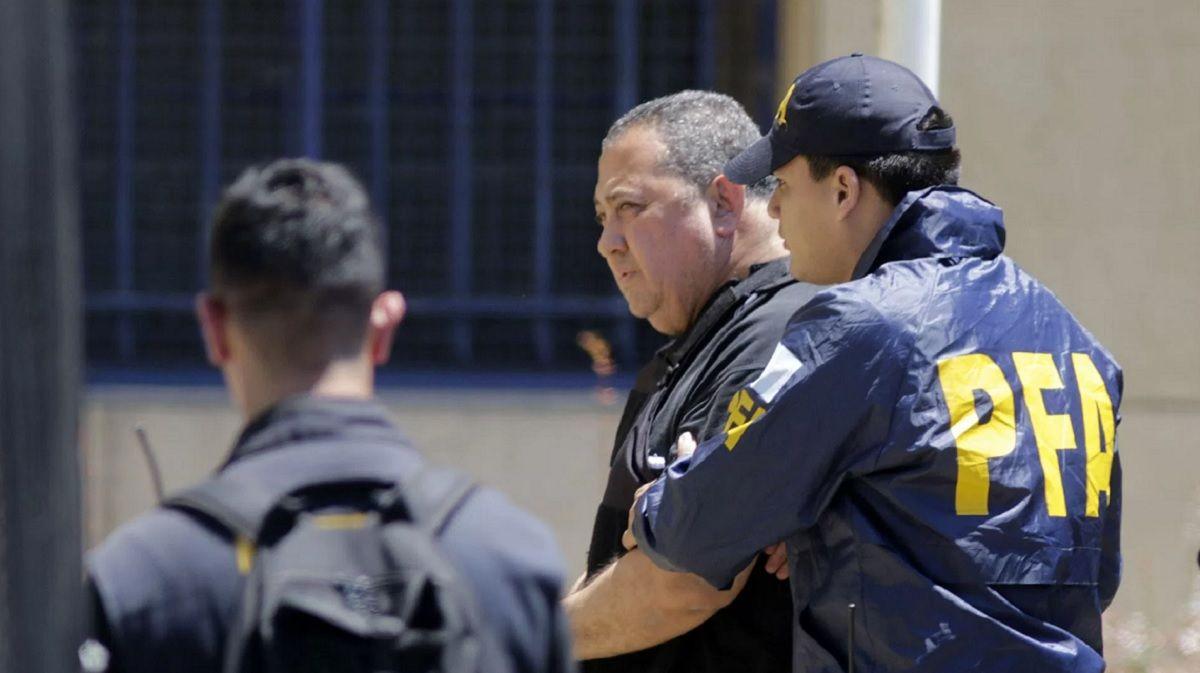 Angustia y llanto en la tumba: así pasa los días Luis DElía en la cárcel