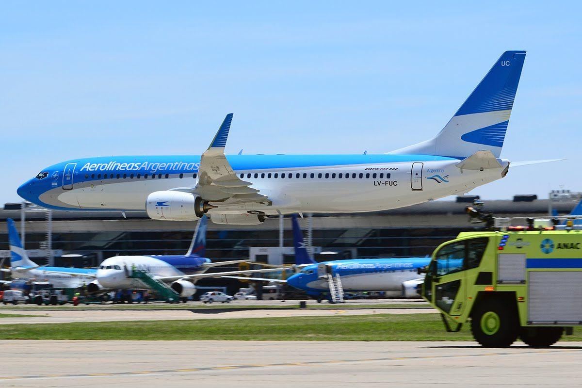 Aerolíneas Argentinas cerrará más rutas si los gremios no aceptan más flexibilidad