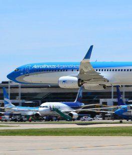 Aerolíneas cerrará más rutas si los gremios no aceptan más flexibilidad