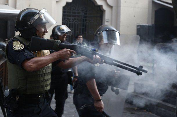 La policía reprimió a los manifestantes<br>