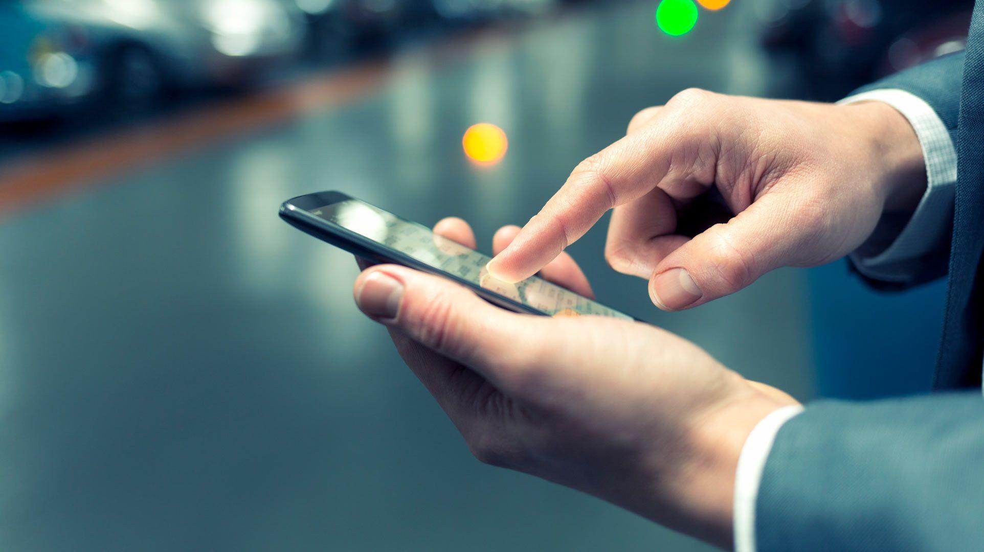 Una aplicación en el celular ayuda a encontrar respuestas sobre alguna enfermedad