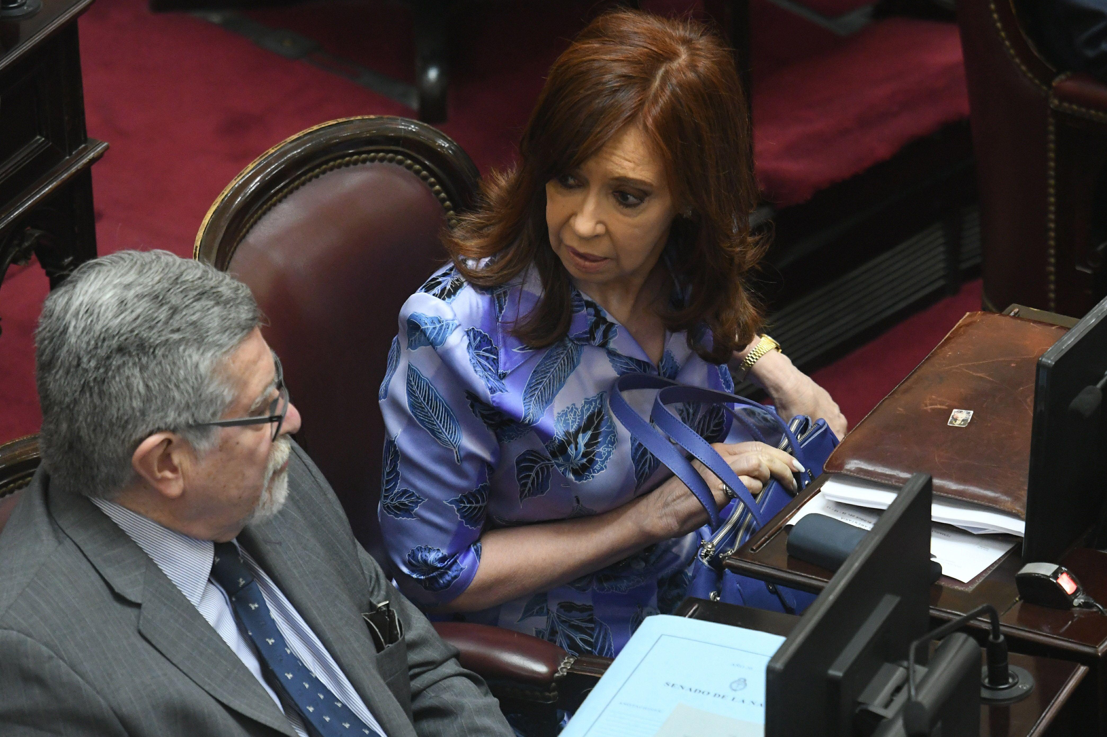 Cristina se cruzó con Michetti porque cortó su discurso: Voy a discutir todo