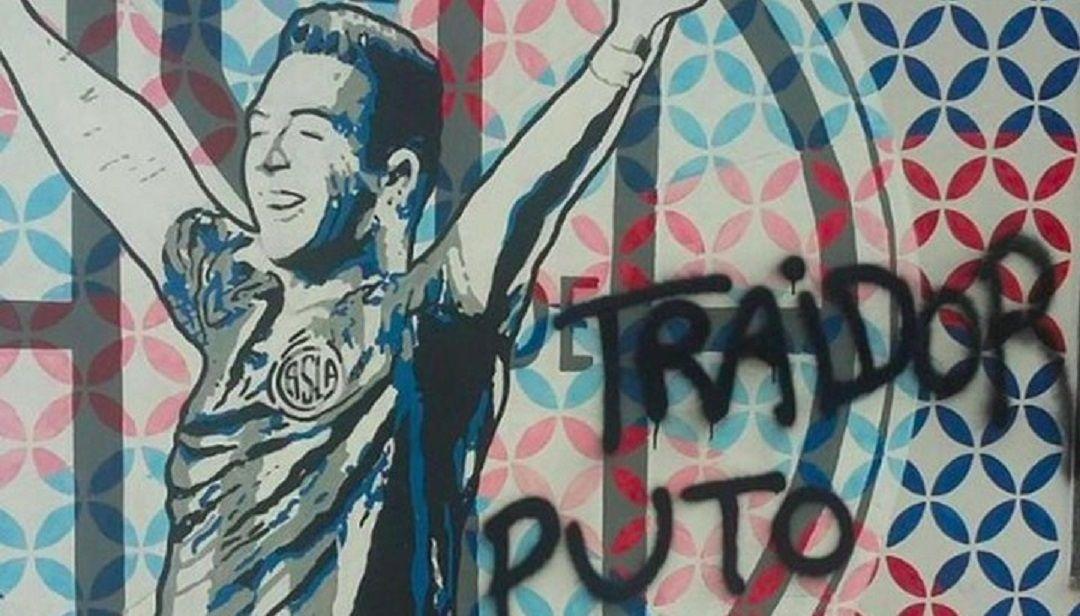 Julio Buffarini firmó con Boca y en San Lorenzo lo acusan de traidor