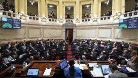 El Senado discute la ley antitarifazo: se espera un largo debate
