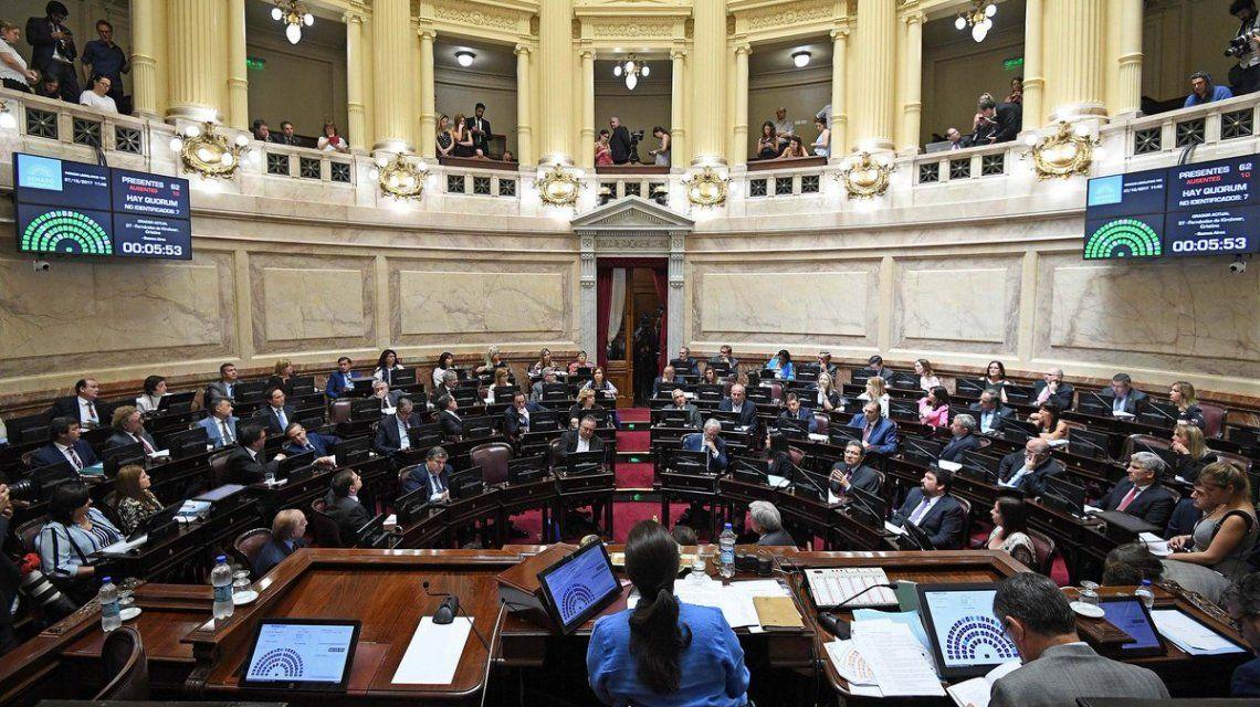 Con apoyo peronista no K, el Senado convirtió en ley el Presupuesto y la reforma tributaria