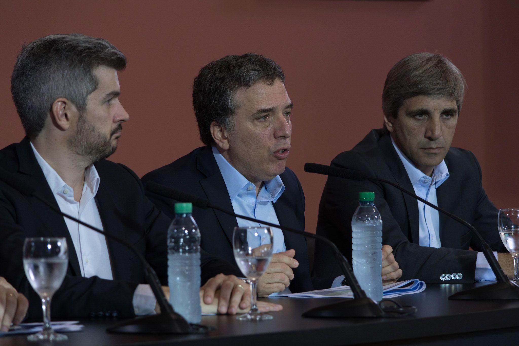 Inflación, dólar, créditos y reformas: la conferencia del equipo económico del Gobierno