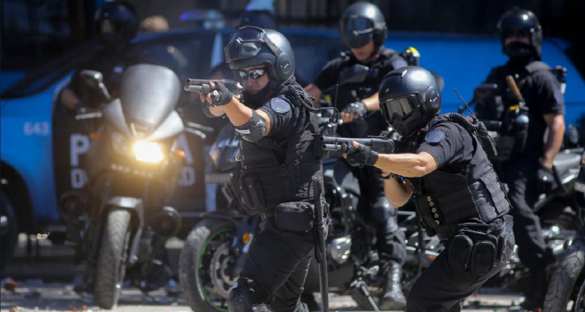 Detuvieron al policía que atropelló a un cartonero en la represión del Congreso
