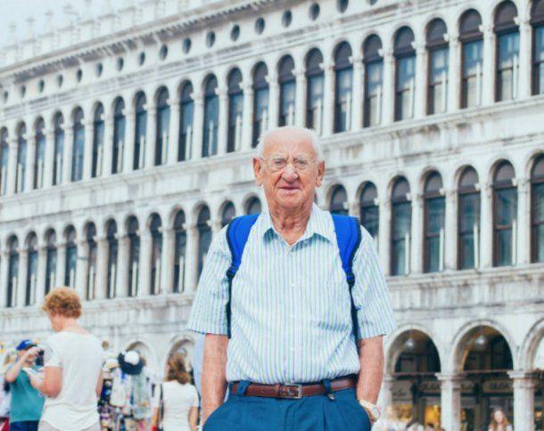 Antonio empezó a viajar a los 97 años y nunca más se detuvo
