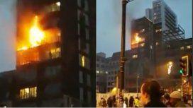 Voraz incendio en un edificio de Manchester