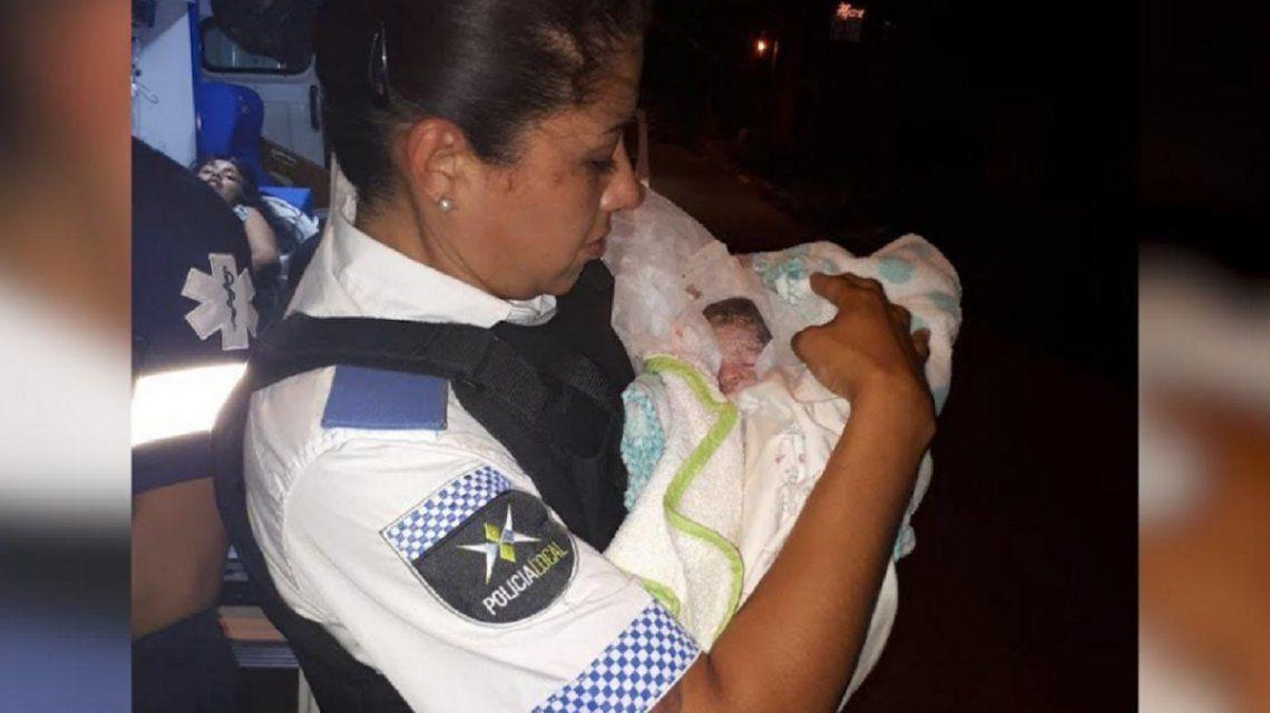 Dos policías de Tigre ayudaran a dar a luz a mellizos en víspera de Año Nuevo.
