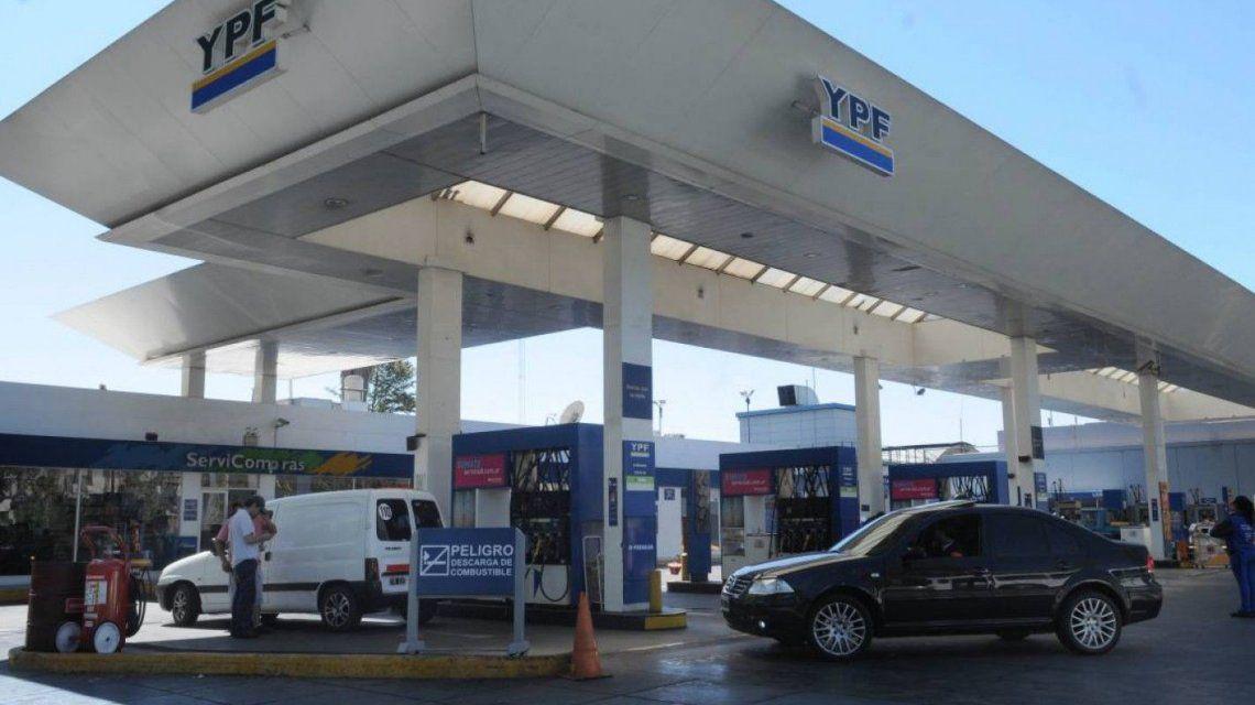 Los combustibles subirían entre 2 y 5 por ciento esta quincena