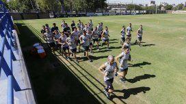 El plantel realizó los primeros movimientos después de las vacaciones (foto: prensa Boca)