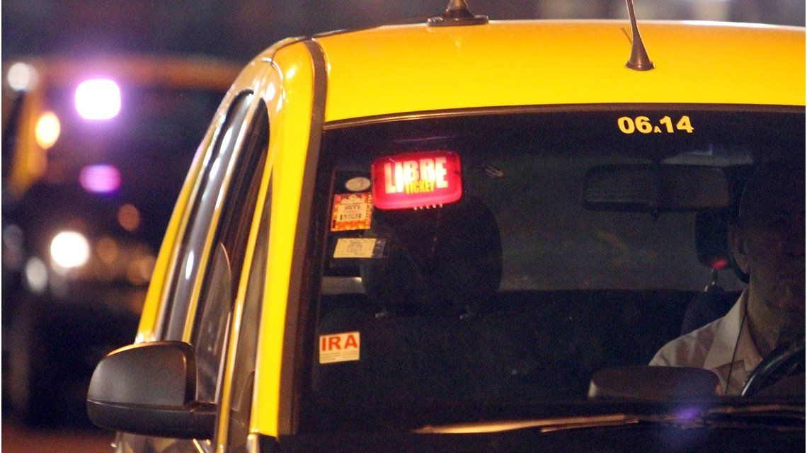 Contra los vivos: una app ayuda a que los taxistas cobren lo que corresponde