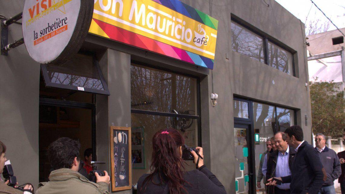 Don Mauricio, el café temático donde venden galletitas de Cambiemos