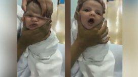 Indignante: tres enfermeras maltrataron a un bebé recién nacido