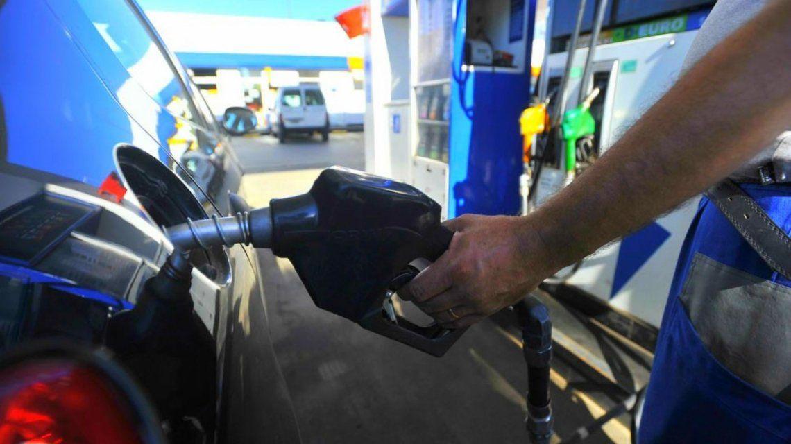 Este fin de semana vuelven a subir las naftas: esta vez el alza será de un 7%