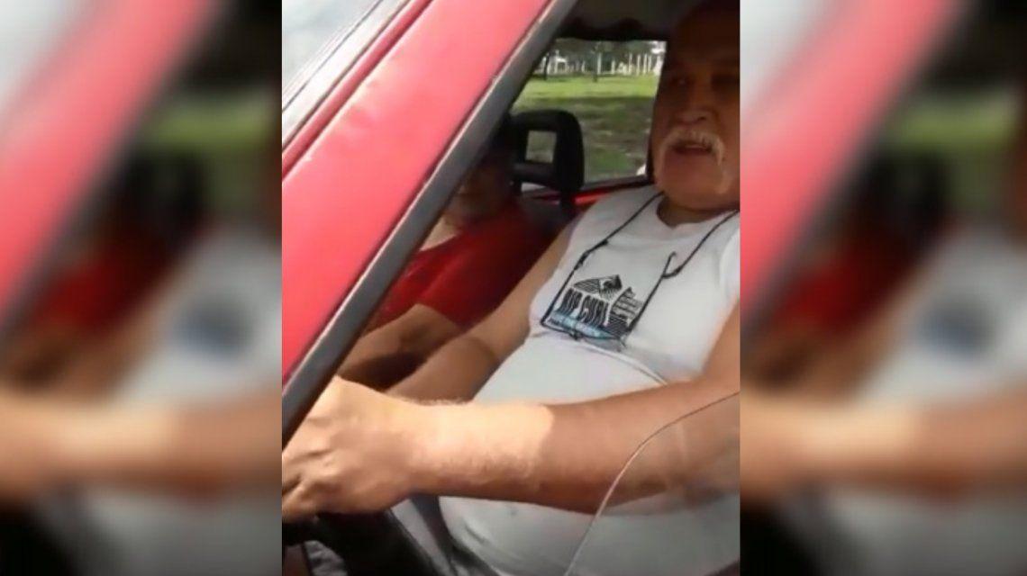 VIDEO: Iban a abandonar a un perro en Córdoba y un escrache evitó que lo hicieran