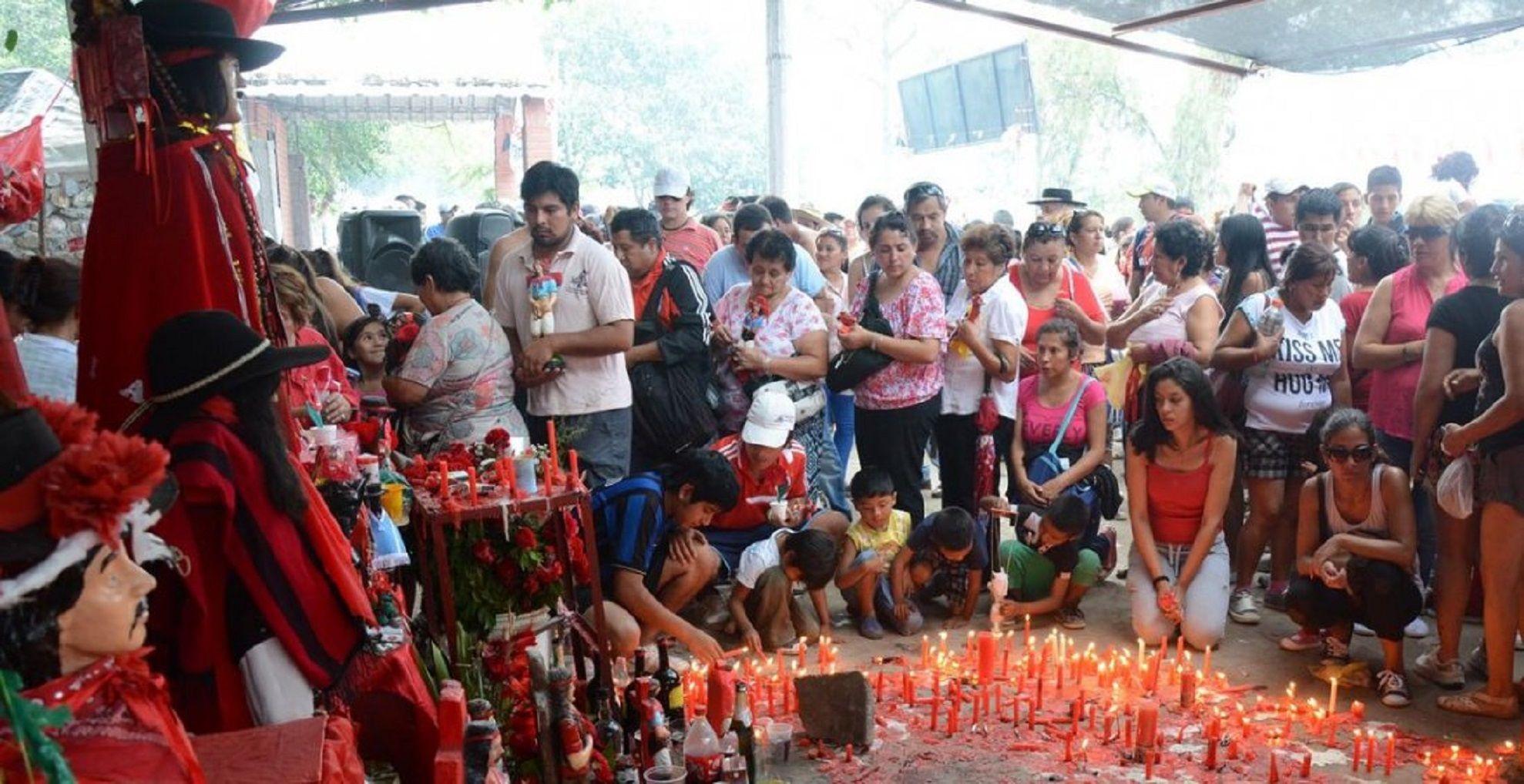 Robos, tiros y muerte: quién fue el Gauchito Gil, el santo de los delincuentes