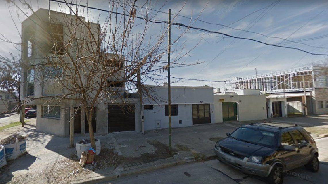 Le gatillaron a una beba de dos meses en una entradera en La Plata
