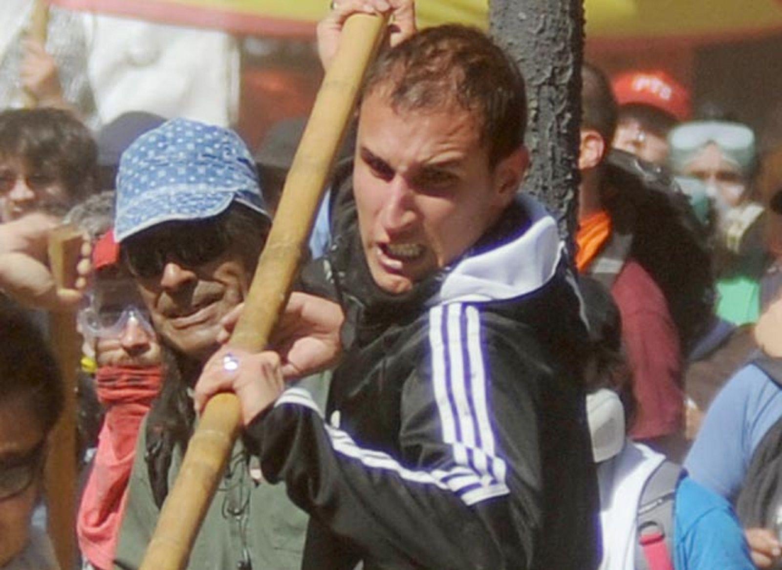 Se entregó el militante del Partido Obrero acusado de agredir a un policía durante los incidentes en el Congreso