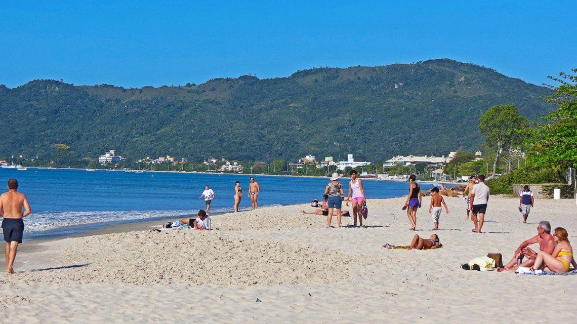 Florianópolis: las playas de Brasil preferidas por los argentinos están contaminadas