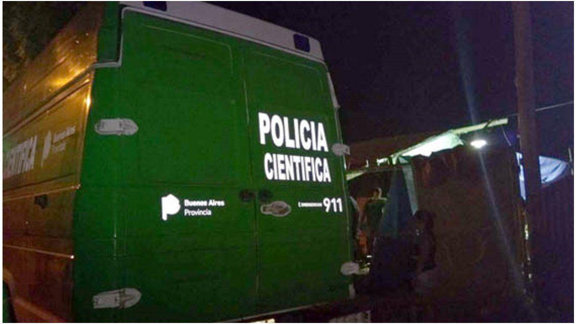 Policía Científica trabajó en el lugar del hallazgo de los cuerpos