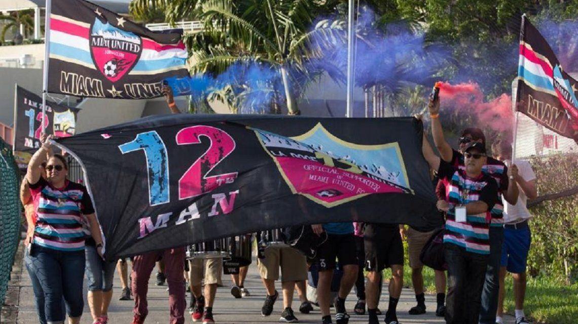 River juega su primer amistoso en Miami contra un rival especial: su hinchada es La 12