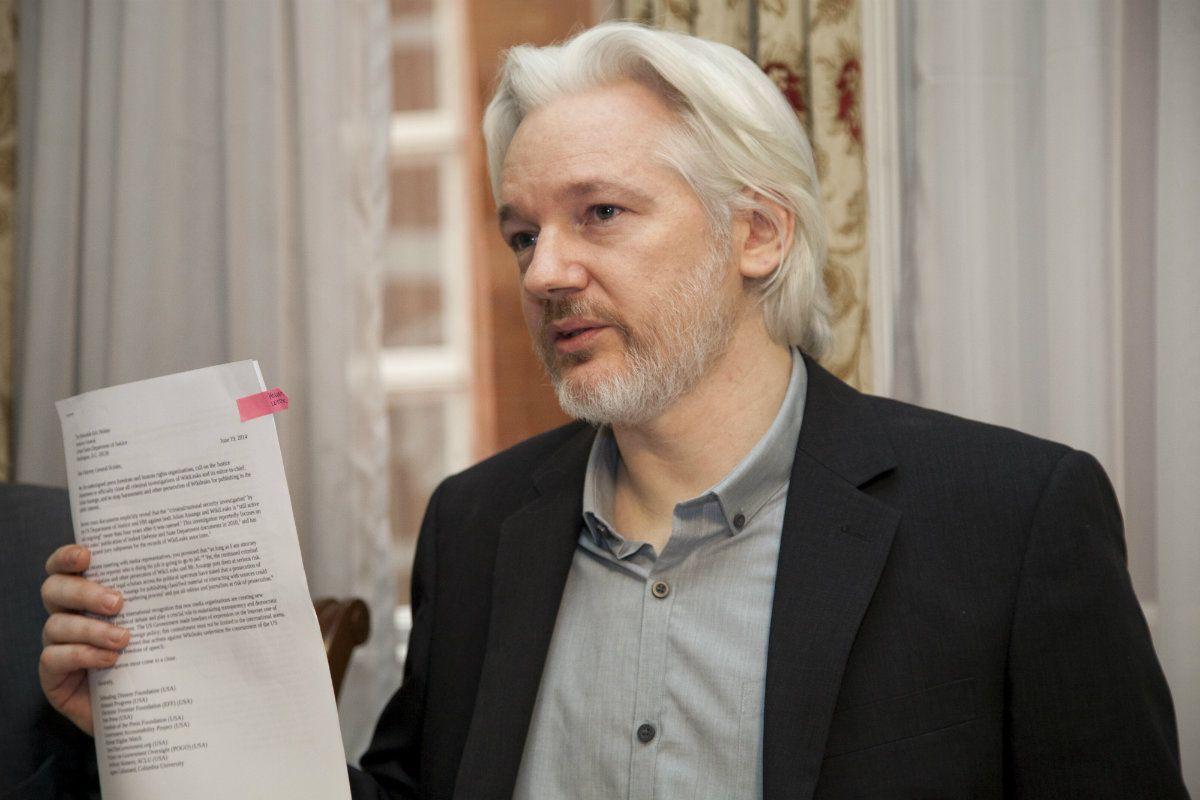 Julian Assange ya es ciudadano ecuatoriano