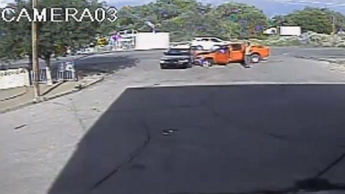 un policía fusiló al que le chocó el patrullero