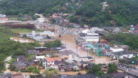 Además de las playas contaminadas, en Florianópolis están en emergencia por las lluvias