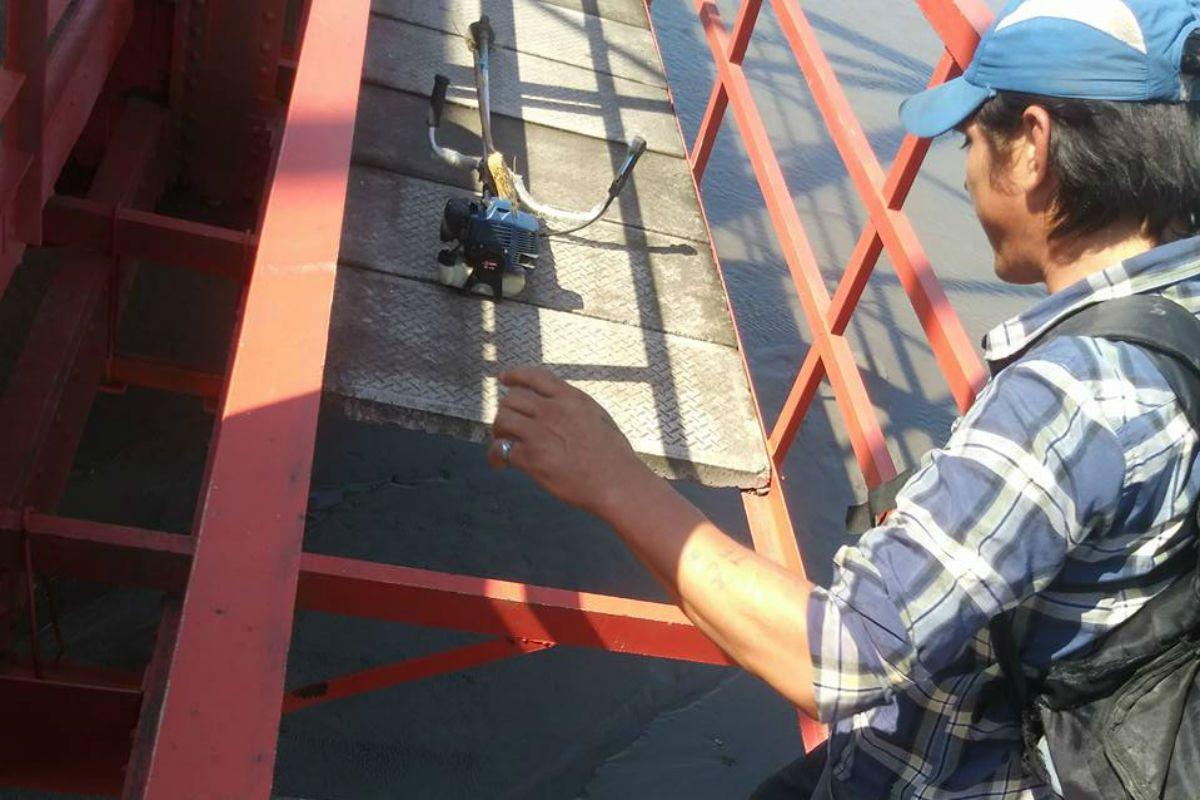 Una nena cayó del puente y un hombre se tiró desde 12 metros de altura para rescatarla