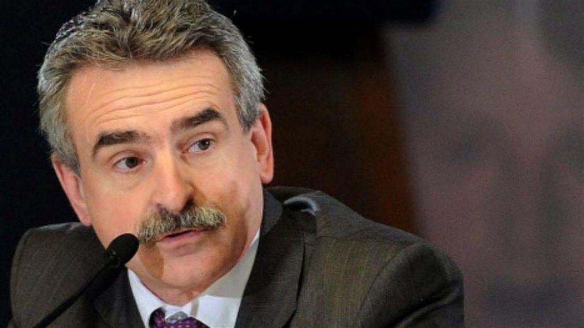 El cambio de look del diputado Agustín Rossi