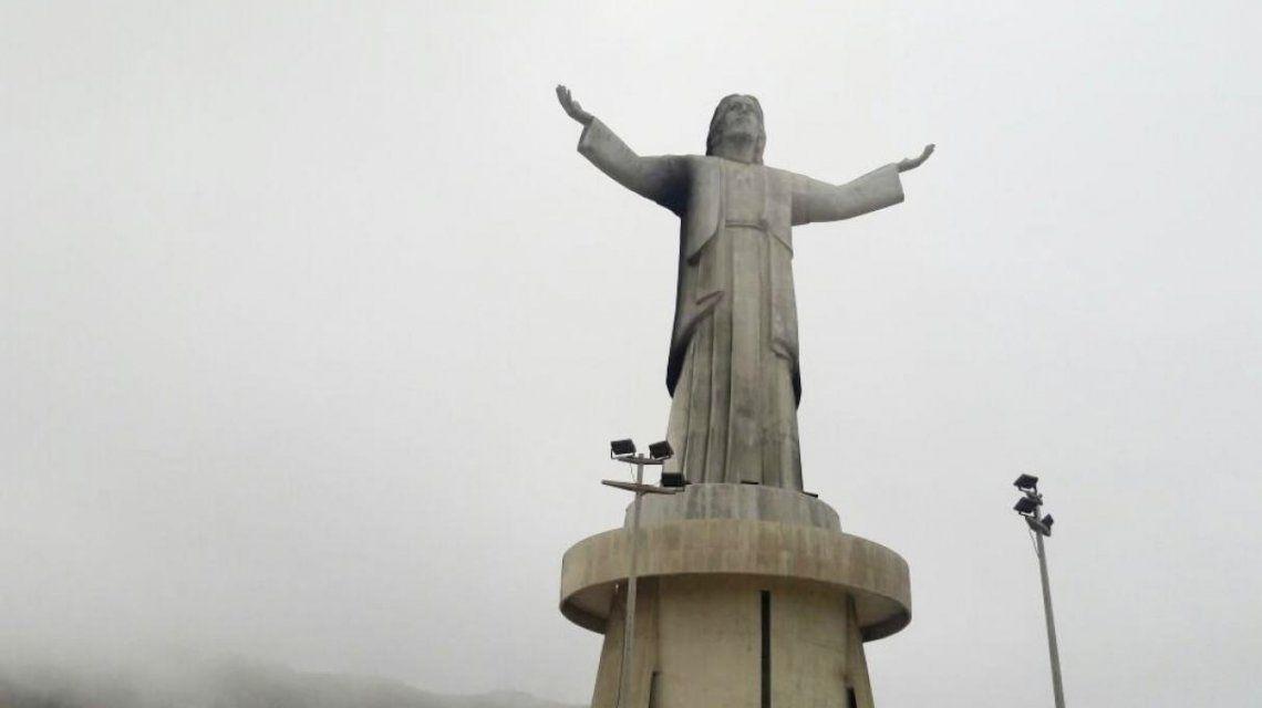 Así quedó la estatua del Cristo de Chorrillos