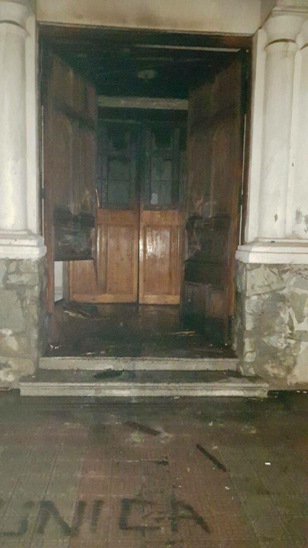 Atacaron seis iglesias antes de la llegada del Papa - Crédito: @Tono_Coloma