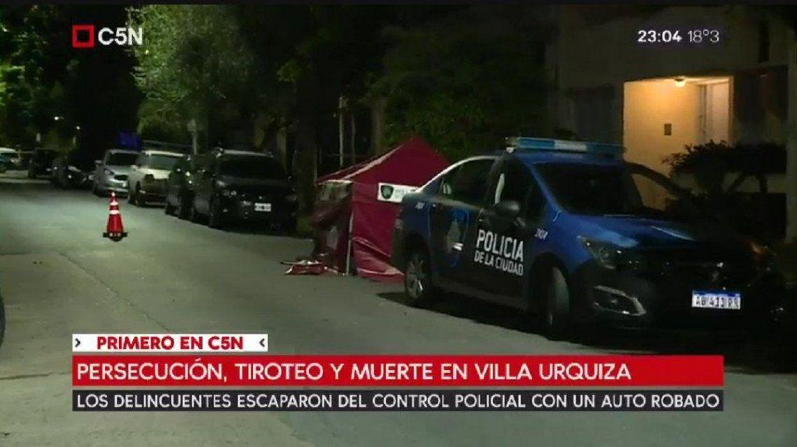 Personal policial cubrió el lugar en el que yacía el cuerpo del fallecido