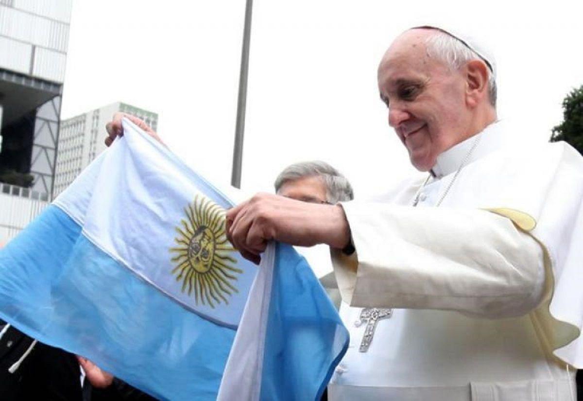 Francisco: con la bandera argentina