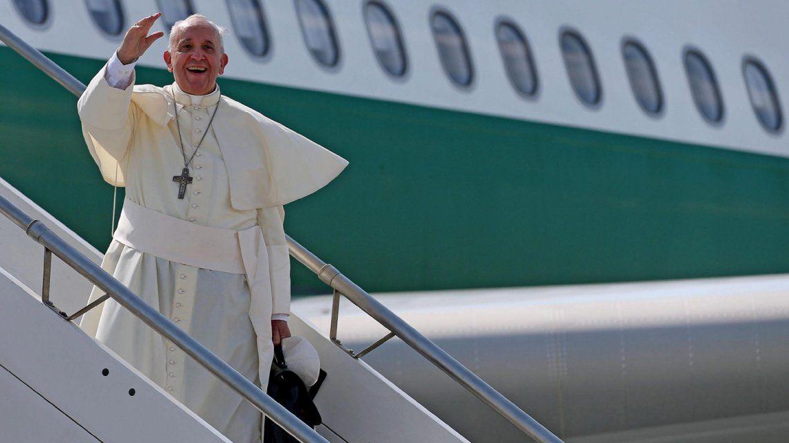 Papa Francisco en uno de sus viajes