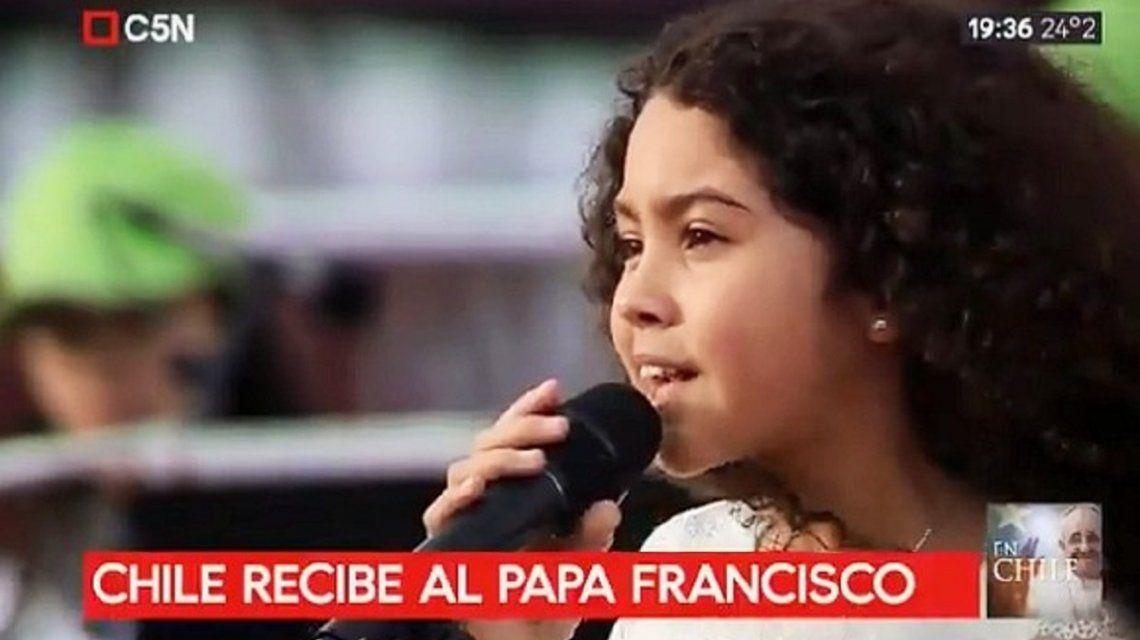 Constanza Wilson cantó Buenas noches