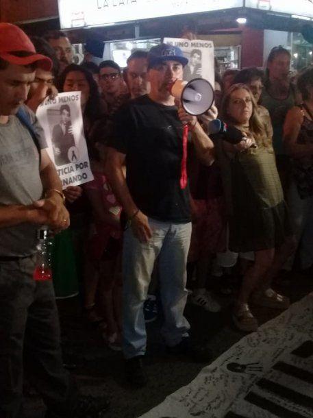 Gustavo Pastorizzo encabezando la marcha<br>