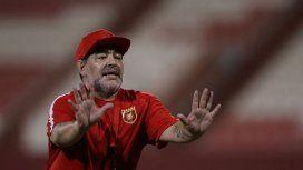 El alocado festejo de Maradona por el triunfo del Fujairah