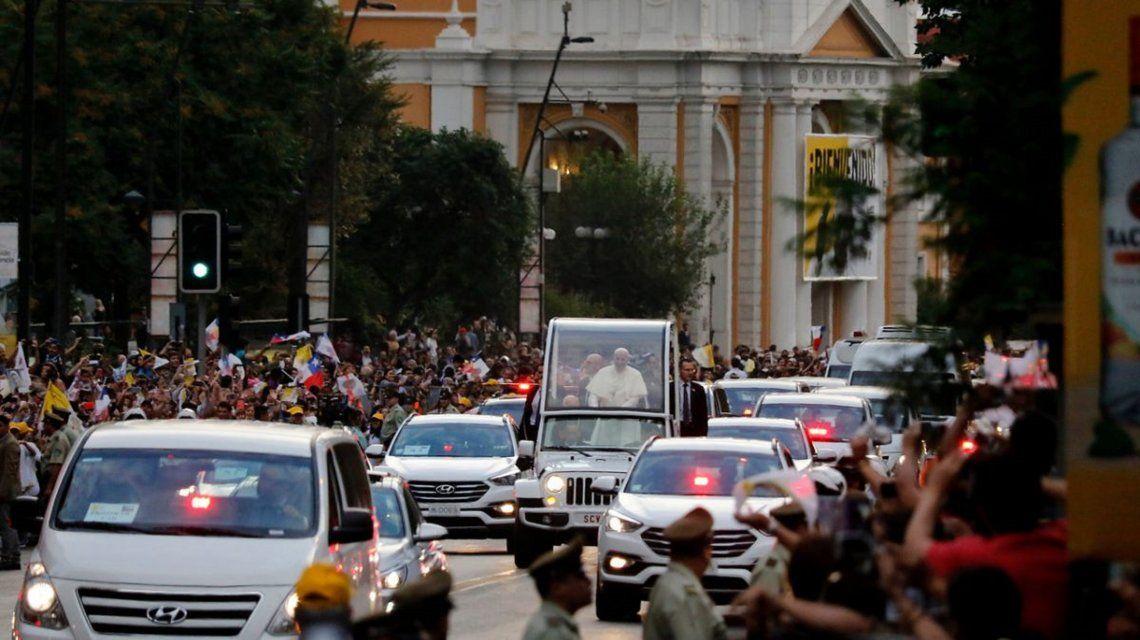 Chile: un hombre murió mientras esperaba el paso del papa Francisco