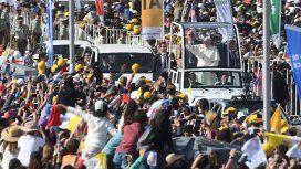 VIDEO: Francisco iba en el Papamóvil
