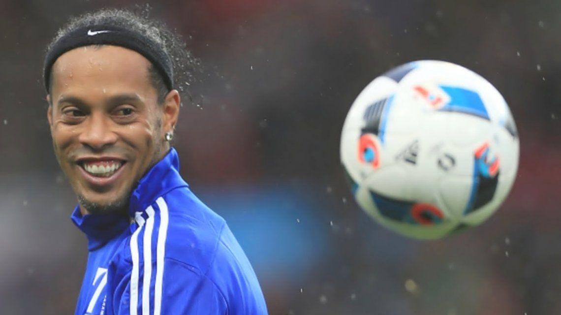 Ronaldinho le dijo adiós al fútbol