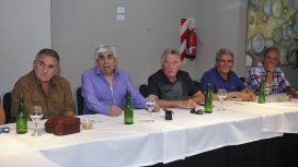 Juan Carlos Schmid, Hugo Moyano, Luis Barrionuevo, Carlos Acuña y Sergio Palazzo