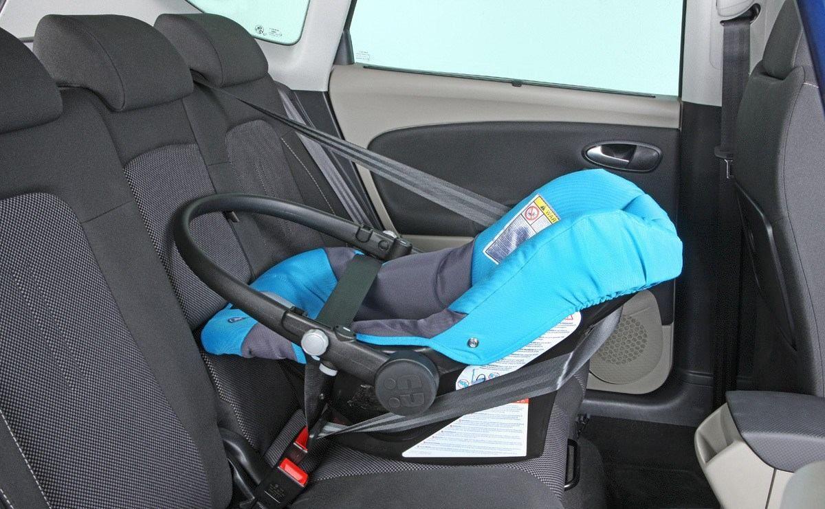 Silla de niños para autos.
