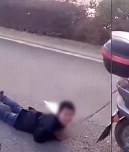VIDEO: Arrastró a su hijo por la calle con una moto por ser muy travieso