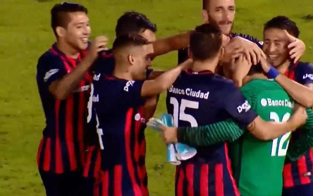 Insólita tanda de penales: San Lorenzo le ganó Gimnasia ¡sin arquero!