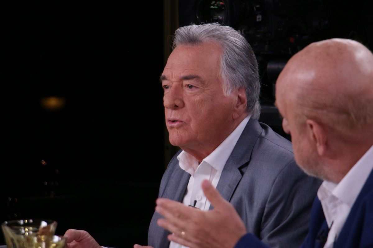 Luis Barrionuevo (@mirthalegrand)
