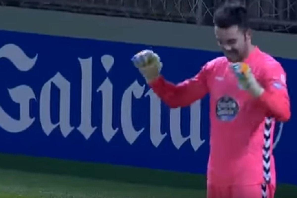 El arquero Martín Corral metió un gol desde atrás de la media cancha