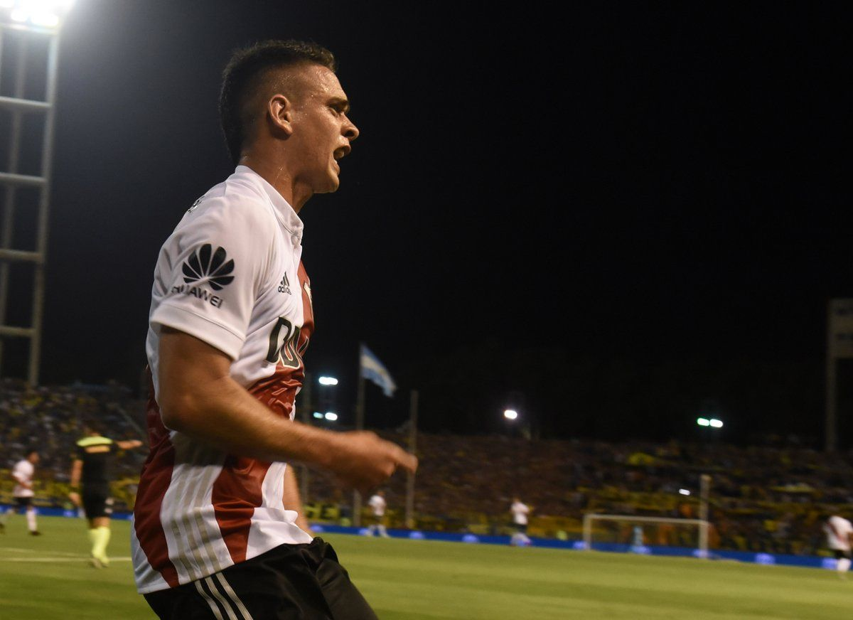 Rafael Santos Borré marcó el gol de la victoria